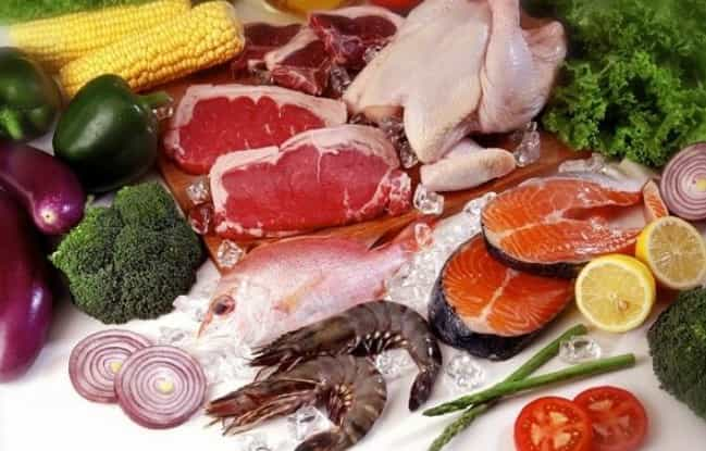ăn thịt động vật và hải sản giúp tăng ngực to