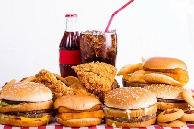 Đồ ăn nhanh không giúp ngực to lên nhanh một cách tự nhiên