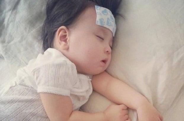 Những biến chứng nguy hiểm khi không xử lý viêm họng cho trẻ dưới 1 tuổi kịp thời
