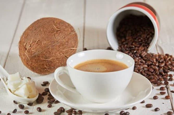 Sử dụng cafe và dầu dừa làm trắng da trong 3 ngày nhanh nhất