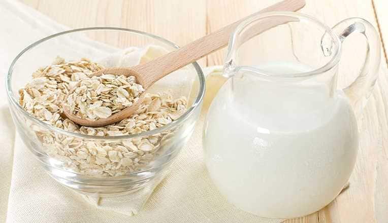 Sữa tươi và bột yến mạch trị tàn nhang