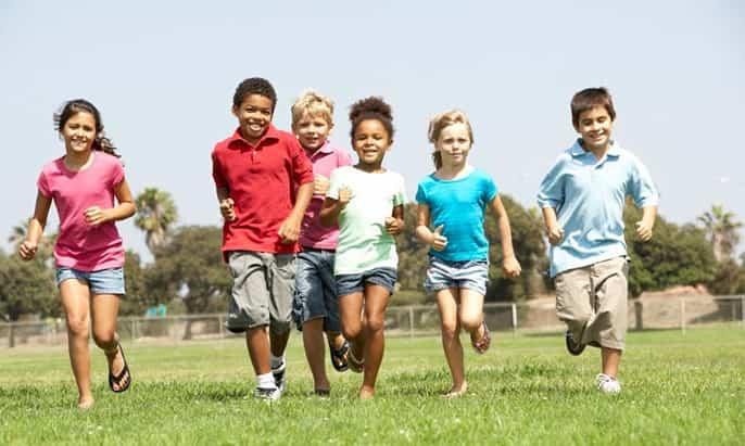 Tập luyện thể dục giúp bé tăng chiều cao