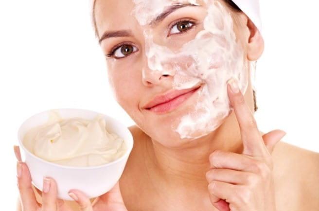 Trắng da với sữa chua không đường