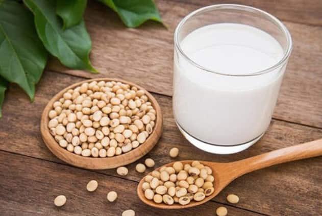 Uống sữa đậu nành giúp làm tăng kích thước vòng 1