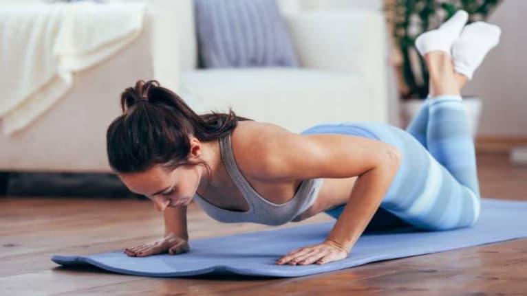 tập ngực Push up giúp tăng size vòng 1