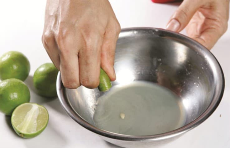Cách trị mụn trứng cá bằng chanh tươi