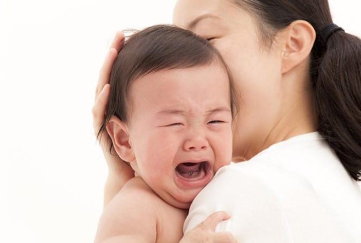 triệu chứng viêm họng ở bé