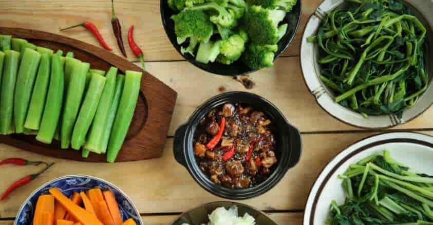 Ăn nhiều rau củ trong mỗi bữa ăn