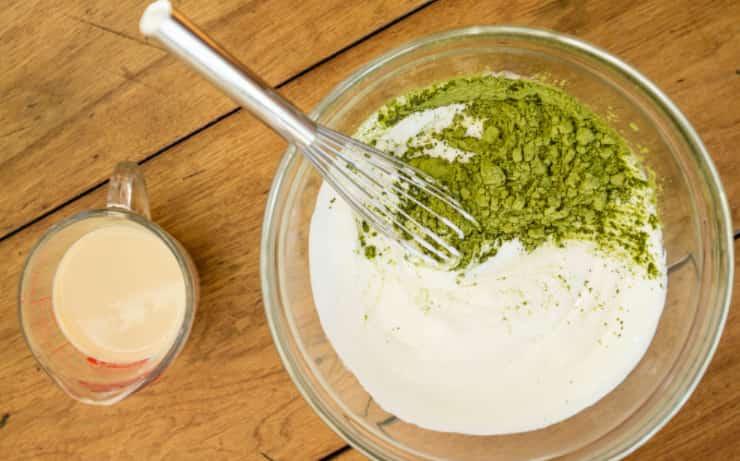 làm kem dưỡng trắng da từ trà xanh