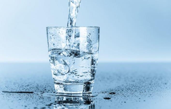 nước lọc là yếu tố tạo nheieuf sữa sau khi sinh mổ