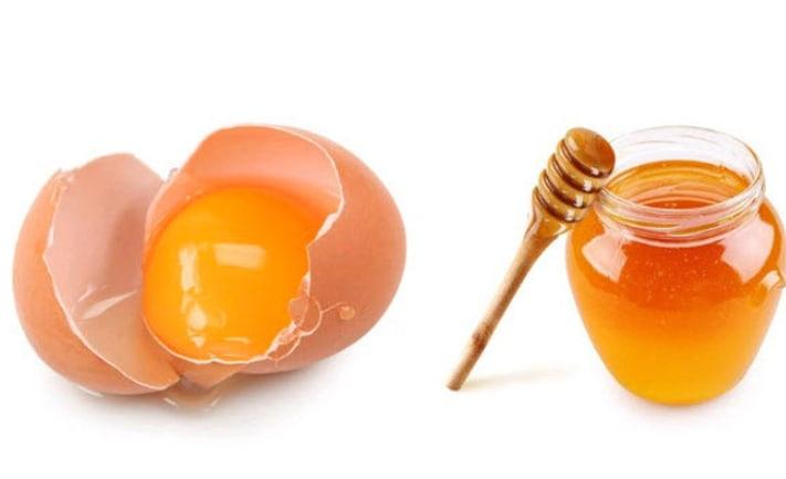 Trứng gà, mật ong giúp tăng vòng ngực
