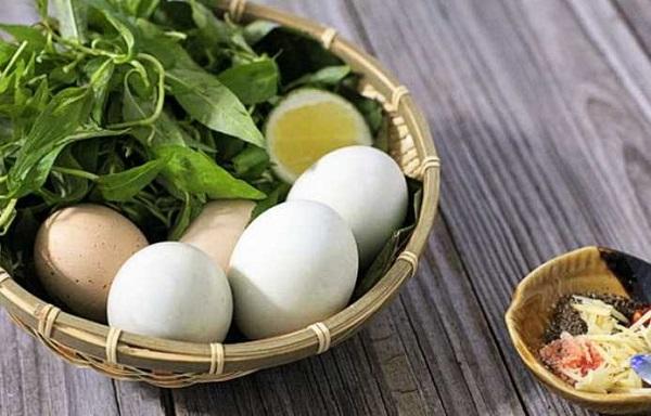 Hướng dẫn cách ăn trứng vịt lộn đảm bảo sức khỏe
