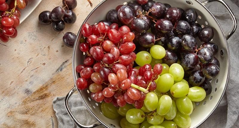 Nho cũng là trái cây giúp bé da trắng môi hồng
