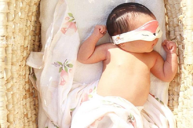 Lợi ích tắm nắng cho trẻ sơ sinh