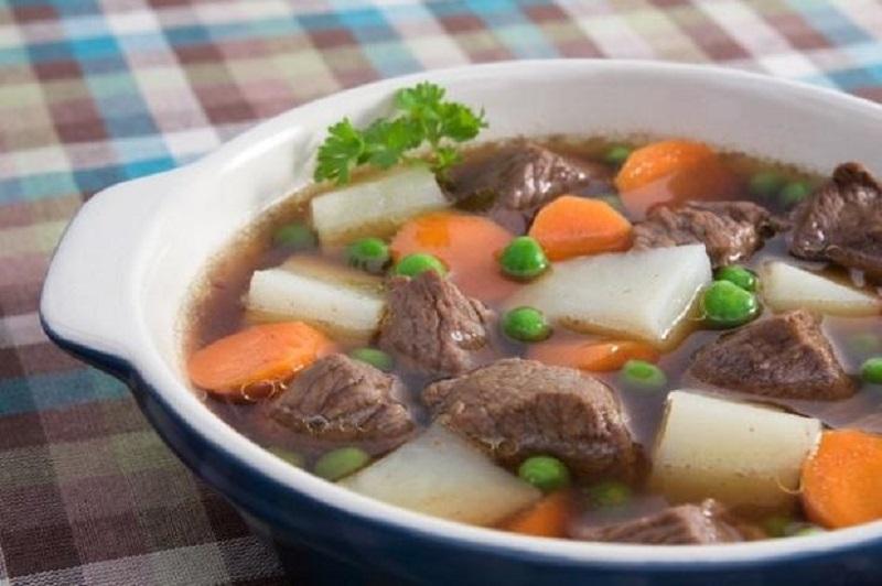 Canh thịt bò rau củ