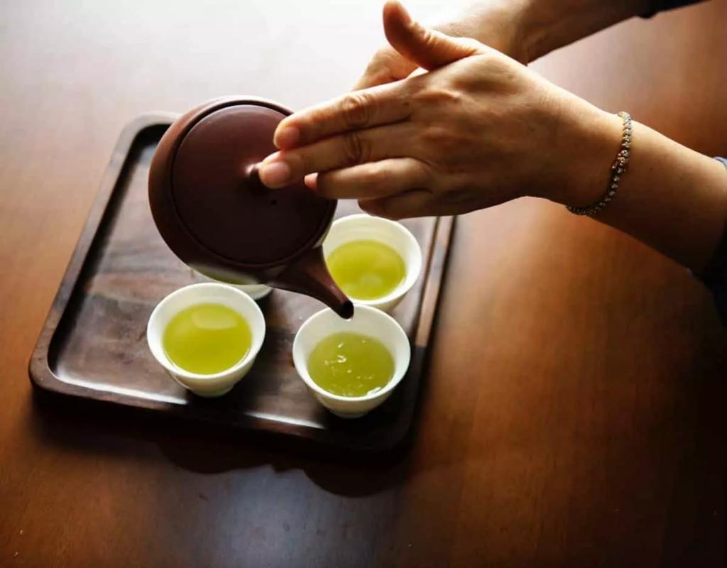 Cách pha trà quyết định độ ngon của trà nõn tômCách pha trà quyết định độ ngon của trà nõn tôm